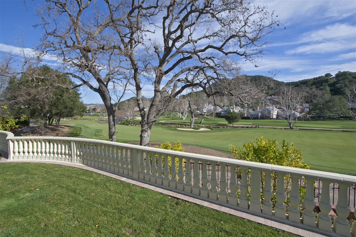 280 West Stafford Road Sherwood Country Club