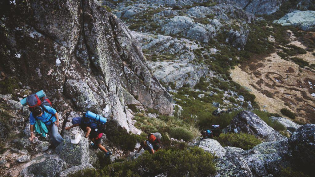 outdoor rock climbing people