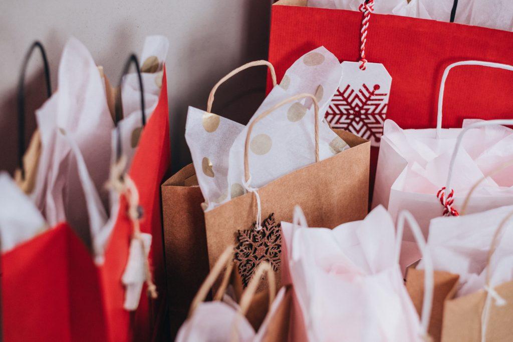gift bags shopping christmas